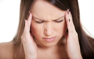 Почему давит на глаза когда болит голова
