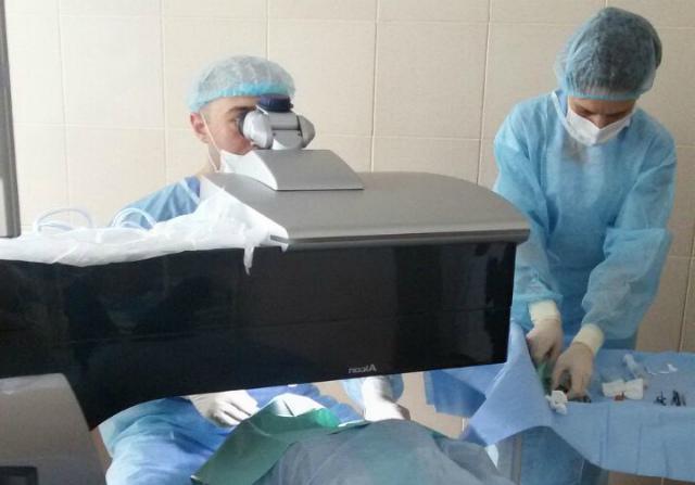 Лечение дальнозоркости лазером: преимущества, отзывы, клиники, цены