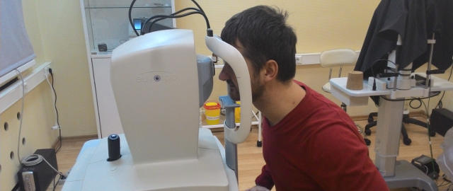 Измерение толщины роговицы глаза - ультразвуковая пахиметрия